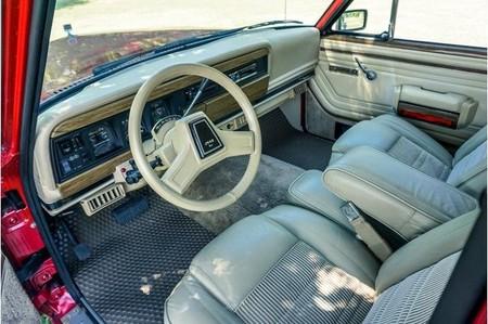 Jeep Grand Wagoneer Hellcat 4
