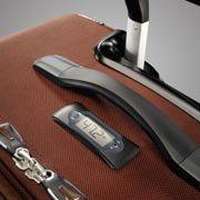 El peso de la maleta al instante