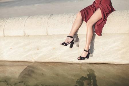 Las 11 sandalias que van a mimar tus pies durante las noches mágicas de verano