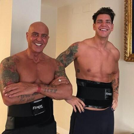 Los machos con tatuajes