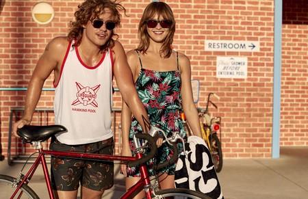 Este verano podrás vestir como los personajes de 'Strangers Things' con una colección retro de H&M que traspasa la pantalla