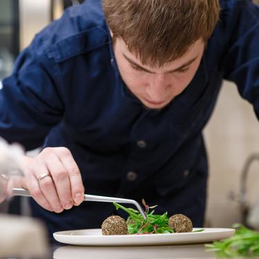 Siete utensilios de chef (asequibles y realmente útiles) para trabajar en tu cocina como un profesional