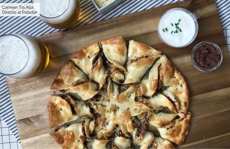 Estrella de pizza rellena de tapenade, champiñón y queso: receta fácil y lucida con vídeo incluido