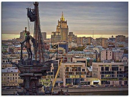El controvertido monumento a Pedro el Grande, en Moscú