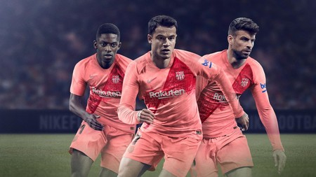 7d5ece205213e El FC Barcelona presenta oficialmente su tercera equipación oficial a través  de PES 2019