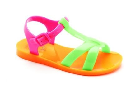 Pablosky se prepara para el verano con unas sandalias cómodas y llenas de colorido