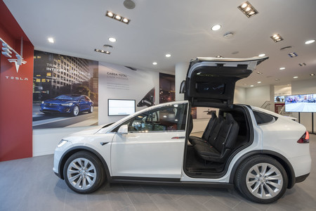 Tesla Madrid Interior