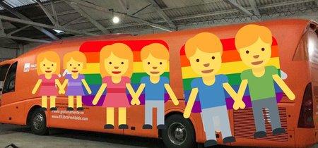 Internet transforma el autobús transfóbico en un montón de memes de apoyo a la comunidad LGTB