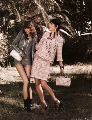 Más imágenes de la campaña de Chanel Primavera-Verano 2011: ¡Freja se ríe!
