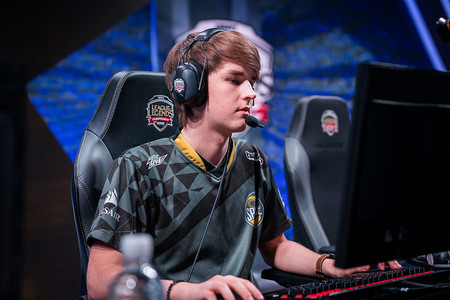 League of Legends: Kobbe sorprende a todos con una espectacular pentakill