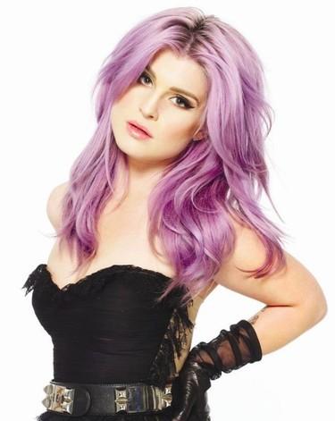El extraño crecimiento de las peritas de Kelly Osbourne