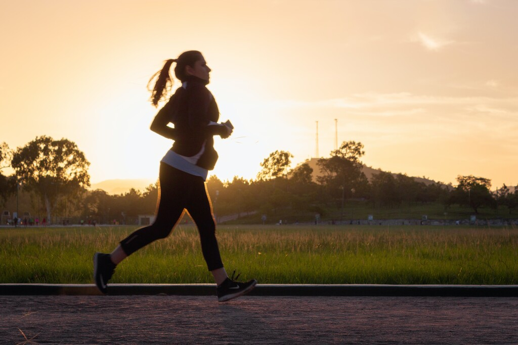 Una media maratón diferente, con un pelotón invisible, busca reunir fondos para la AECC y todavía puedes sumarte