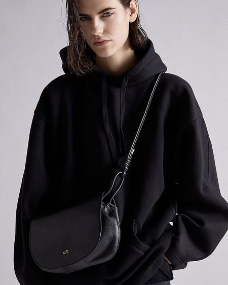 11 bolsos de piel ideales y rebajados que encontramos en Zara por menos de 30 euros