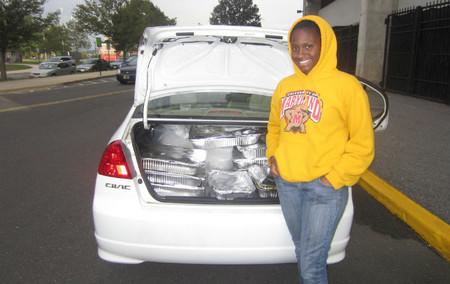 Estudiante voluntario de Food Recovery Network