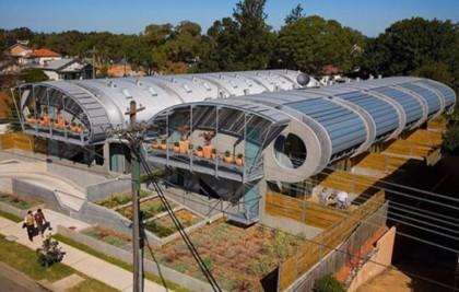 Casas poco convencionales adosados futuristas en sydney for Casas futuristas