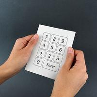 Un recubrimiento especial sobre papel tradicional consigue que sea táctil y se pueda interactuar con botones dibujados sobre él