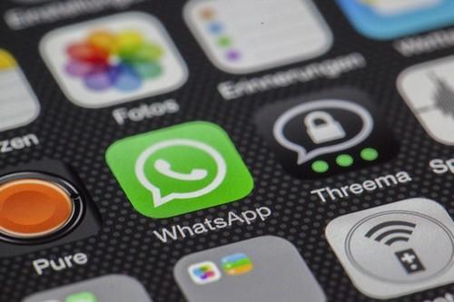 Mentiras, desencuentros y un sacrificio multimillonario: el cofundador de WhatsApp pone en evidencia a Mark Zuckerberg