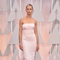 Karolina Kurkova no termina de acertar con su Marchesa en los Oscar 2015