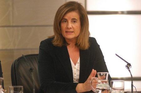 Ministra Báñez: el lugar para anunciar los 50 euros para emprendedores es el BOE, no La Razón