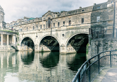 Puente habitado Bath