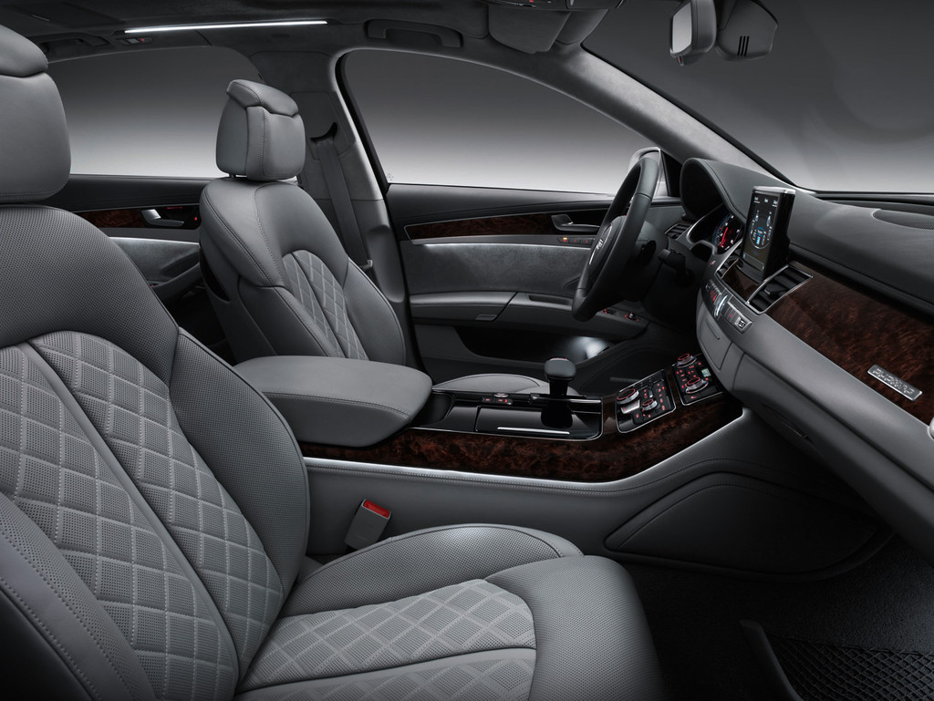 Audi A8 L 18 24