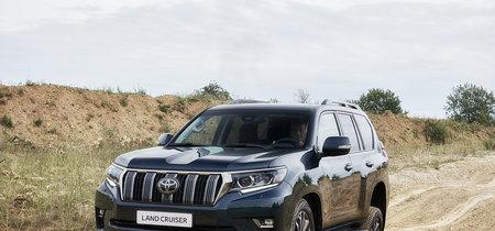 Toyota Land Cruiser 2018: igual de capaz fuera de la carretera, pero más moderno y refinado