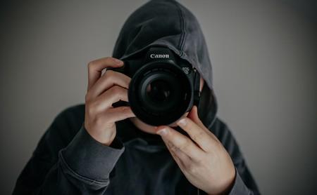 Ni yo soy famosa ni tú un paparazzi, pero has viralizado mi vida privada y me la has arruinado