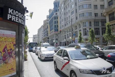 El taxi se declara a favor de Madrid Central y el PSOE lleva a los tribunales su desmantelamiento