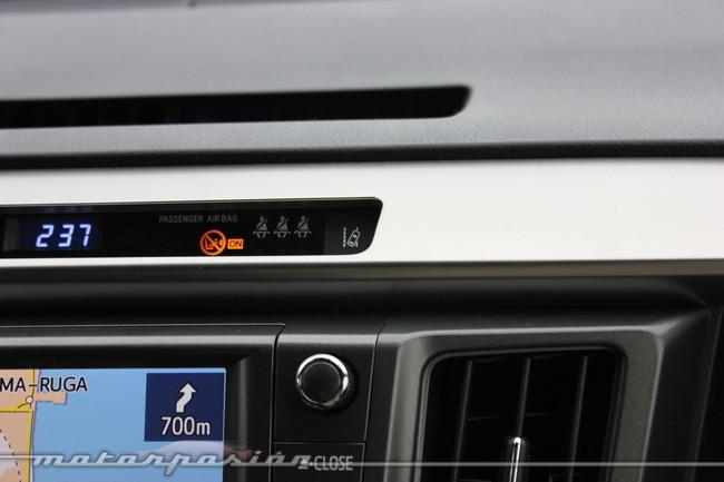 Toyota RAV4 2013 - LDW, avisador de cambio de carril involuntario
