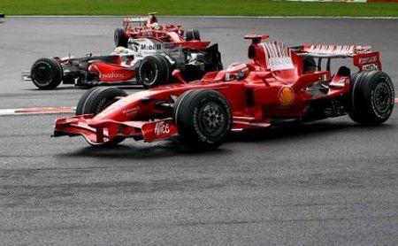 Lewis Hamilton se impone en un épico final de carrera en Spa