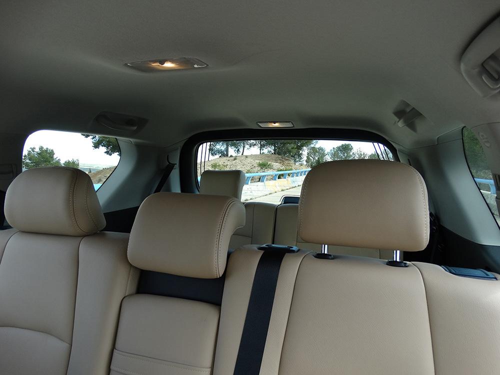 Foto de Interiores Toyota Land Cruiser 180D Auto VX Kirari Plus (11/14)