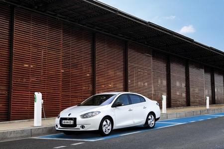 """En el Gobierno piensan que el asunto del coche eléctrico """"no se arregla con más subvenciones"""""""