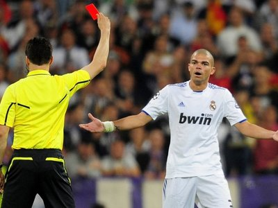 Los árbitros lo tendrán más fácil en el mundial de 2018: por fin llegan las repeticiones instantáneas