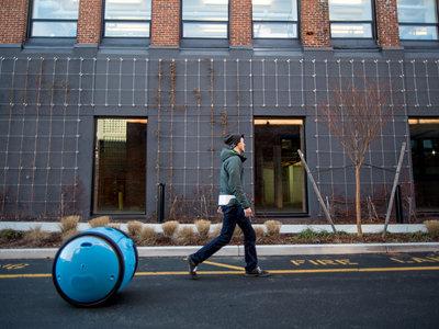 Gita, la maleta robótica que va sola y te sigue a todas partes