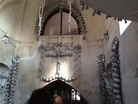 El osario de Sedlec: una decoración muy creativa con los huesos de 40.000 muertos