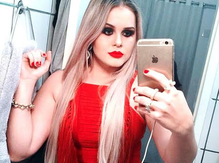 Ella es la joven alcaldesa que dirigía una ciudad en Brasil a distancia por WhatsApp