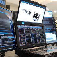 El Aurora 7 es una locura de ordenador portátil con siete pantallas plegables