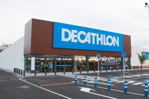 Ofertas en ropa y zapatillas deportivas de marcas como Adidas, Asics o Columbia en Decathlon