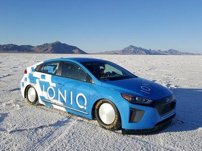 El Hyundai IONIQ visita Bonneville para batir el récord de velocidad híbrido