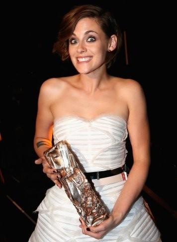 Kristen Stewart, primera actriz estadounidense en ganar un César