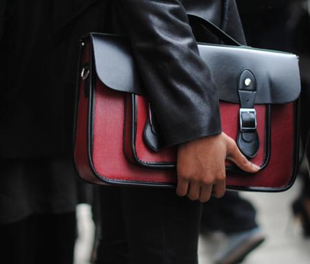 Bolso satchel negro y rojo