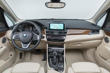 bmw-serie-2-active-tourer-2014-216.jpg