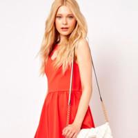 Tendencias low cost verano 2013: bolsos blancos, imprescindibles en verano