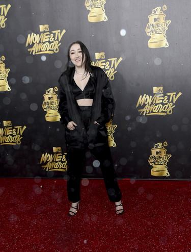 Tú no sabes ni qué ponerte y Noah Cyrus se presenta en los MTV en pijama y sujetador