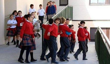 0aa1937bd Uniformes en los colegios públicos para ahorrar en ropa y calzado ...