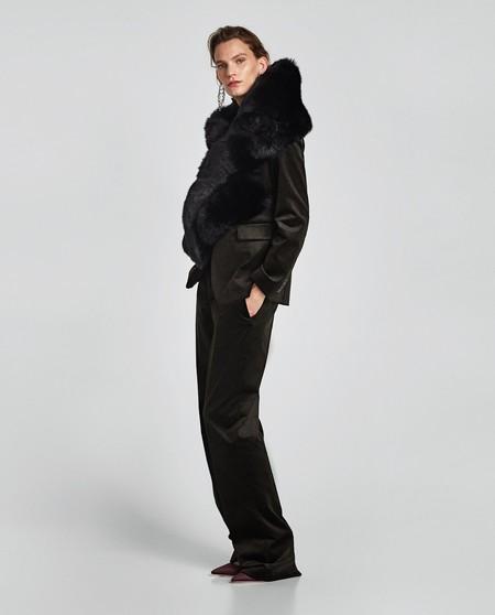 Zara Estola 1