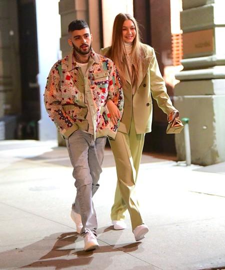 El amor está en el aire: Gigi Hadid y Zayn Malik se dejan ver juntos de celebración acompañados de Dua Lipa y Bella Hadid