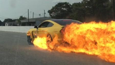 Si tu Shelby GT350 se llega a quemar, Ford tal vez te lo cambie por un GT350R