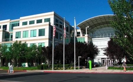 Apple cae en la bolsa casi un 18%