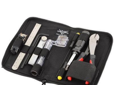 El kit de herramientas para guitarra Fender FENMN ahora cuesta  66,66 euros en Amazon